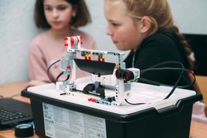 Детский лагерь «Лига Роботов» — международная школа робототехники и программирования